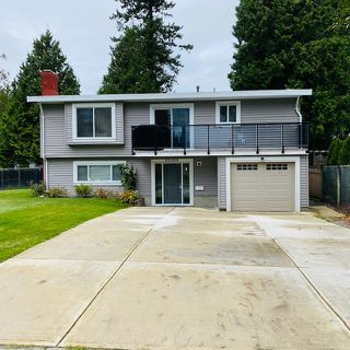 Photo 1: 20069 45 Avenue in Langley: Langley City House for sale : MLS®# R2520175