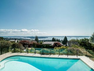 Photo 1: 2339 WESTHILL Drive in West Vancouver: Westhill House for sale : MLS®# R2528029