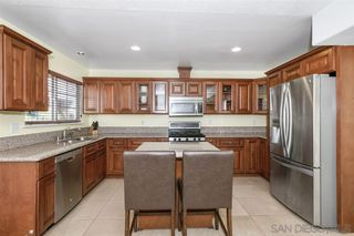 Photo 5: PARADISE HILLS House for sale : 4 bedrooms : 6529 Lockford Ave in San Diego