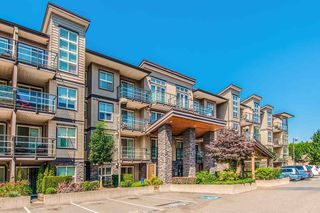 "Photo 1: 214 30515 CARDINAL Avenue in Abbotsford: Abbotsford West Condo for sale in ""TAMARIND WESTSIDE"" : MLS®# R2480759"