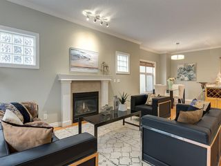 Photo 4: 1732 21 Avenue SW in Calgary: Bankview Row/Townhouse for sale : MLS®# A1034441