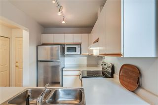 Photo 16: 402 1055 Hillside Ave in : Vi Hillside Condo for sale (Victoria)  : MLS®# 858795