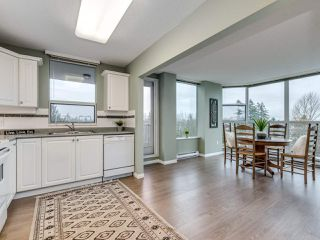 "Photo 3: 706 12148 224 Street in Maple Ridge: East Central Condo for sale in ""Panorama"" : MLS®# R2527237"