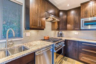 """Photo 8: 10553 WOODGLEN Close in Surrey: Fraser Heights House for sale in """"Fraser Glen"""" (North Surrey)  : MLS®# R2398175"""