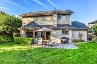 """Photo 2: 10553 WOODGLEN Close in Surrey: Fraser Heights House for sale in """"Fraser Glen"""" (North Surrey)  : MLS®# R2398175"""