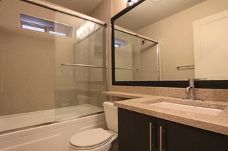 Photo 8: : Vancouver House for rent : MLS®# AR114