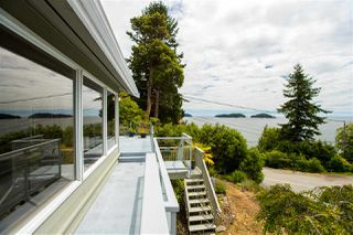 "Photo 12: 7060 DALE Road in Sechelt: Sechelt District House for sale in ""CALETA ESTATES"" (Sunshine Coast)  : MLS®# R2423298"