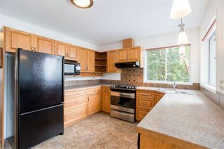 "Photo 6: 7060 DALE Road in Sechelt: Sechelt District House for sale in ""CALETA ESTATES"" (Sunshine Coast)  : MLS®# R2423298"