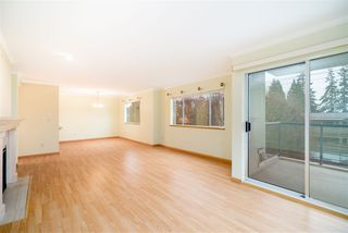 "Photo 4: 203 1441 BLACKWOOD Street: White Rock Condo for sale in ""Capistrano"" (South Surrey White Rock)  : MLS®# R2425820"