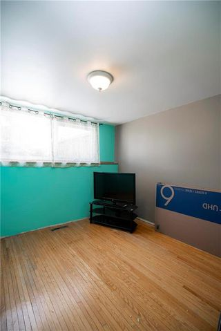 Photo 14: 97 Wiltshire Bay in Winnipeg: Windsor Park Residential for sale (2G)  : MLS®# 202006073