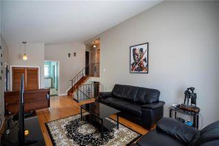 Photo 5: 97 Wiltshire Bay in Winnipeg: Windsor Park Residential for sale (2G)  : MLS®# 202006073