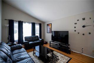 Photo 2: 97 Wiltshire Bay in Winnipeg: Windsor Park Residential for sale (2G)  : MLS®# 202006073