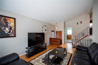 Photo 3: 97 Wiltshire Bay in Winnipeg: Windsor Park Residential for sale (2G)  : MLS®# 202006073