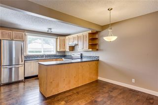 Photo 6: 194 WOODMONT Terrace SW in Calgary: Woodbine Row/Townhouse for sale : MLS®# C4306150