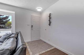 Photo 5: 15212 85 Avenue in Edmonton: Zone 22 House for sale : MLS®# E4208310