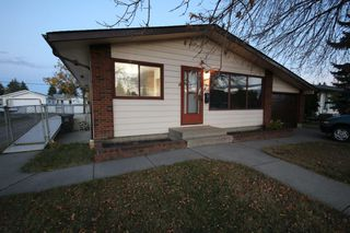 Photo 2: 13531 127 Street in Edmonton: Zone 01 House for sale : MLS®# E4217295