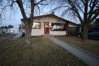 Photo 1: 13531 127 Street in Edmonton: Zone 01 House for sale : MLS®# E4217295