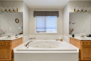 Photo 38: 940 WALLBRIDGE Place in Edmonton: Zone 22 House for sale : MLS®# E4220495