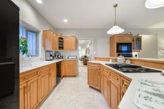 Photo 11: 940 WALLBRIDGE Place in Edmonton: Zone 22 House for sale : MLS®# E4220495