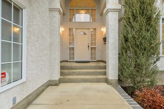 Photo 2: 940 WALLBRIDGE Place in Edmonton: Zone 22 House for sale : MLS®# E4220495