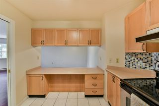"""Photo 8: 108 1150 QUAYSIDE Drive in New Westminster: Quay Condo for sale in """"Westport"""" : MLS®# R2404407"""