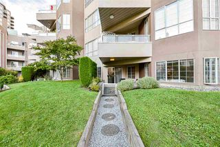 """Photo 4: 108 1150 QUAYSIDE Drive in New Westminster: Quay Condo for sale in """"Westport"""" : MLS®# R2404407"""