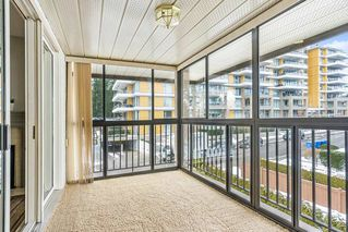 "Photo 17: 307 1480 VIDAL Street: White Rock Condo for sale in ""The Wellington"" (South Surrey White Rock)  : MLS®# R2429778"