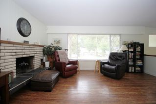 """Photo 3: 4660 198A Street in Langley: Langley City House for sale in """"Mason Heights"""" : MLS®# R2433385"""