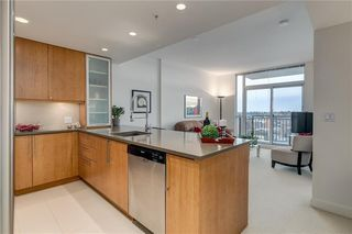 Photo 1: 1807 1118 12 Avenue SW in Calgary: Beltline Apartment for sale : MLS®# C4288279