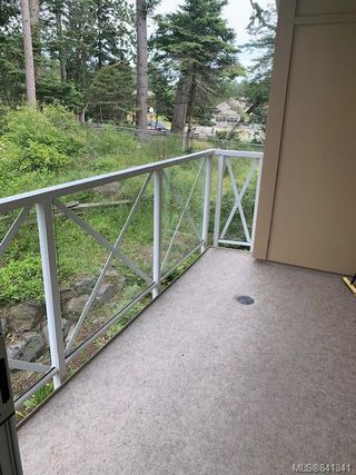 Photo 15: 207 1900 Watkiss Way in View Royal: VR Hospital Condo Apartment for sale : MLS®# 841341