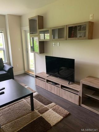 Photo 8: 207 1900 Watkiss Way in View Royal: VR Hospital Condo Apartment for sale : MLS®# 841341