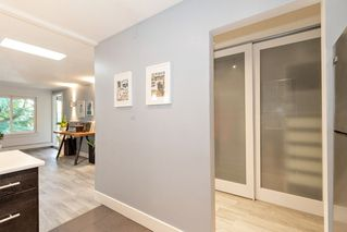 """Photo 10: 304 222 N TEMPLETON Drive in Vancouver: Hastings Condo for sale in """"Cambridge Court"""" (Vancouver East)  : MLS®# R2496274"""