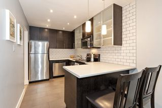 """Photo 8: 304 222 N TEMPLETON Drive in Vancouver: Hastings Condo for sale in """"Cambridge Court"""" (Vancouver East)  : MLS®# R2496274"""