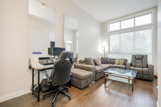 """Photo 7: 413 10477 154 Street in Surrey: Guildford Condo for sale in """"G3 RESIDENCES"""" (North Surrey)  : MLS®# R2498903"""