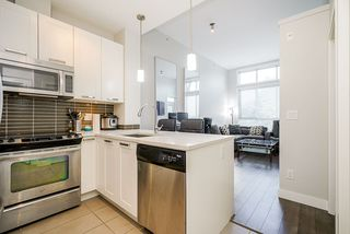 """Photo 4: 413 10477 154 Street in Surrey: Guildford Condo for sale in """"G3 RESIDENCES"""" (North Surrey)  : MLS®# R2498903"""