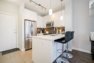 """Photo 5: 413 10477 154 Street in Surrey: Guildford Condo for sale in """"G3 RESIDENCES"""" (North Surrey)  : MLS®# R2498903"""