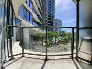 "Photo 10: 501 68 SMITHE Street in Vancouver: Downtown VW Condo for sale in ""ONE PACIFIC"" (Vancouver West)  : MLS®# R2398292"