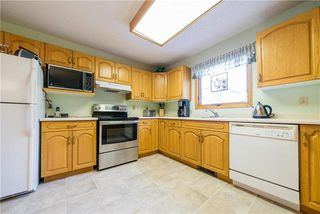 Photo 5: 11 Cassin Crescent in Winnipeg: Island Lakes Residential for sale (2J)  : MLS®# 1923620