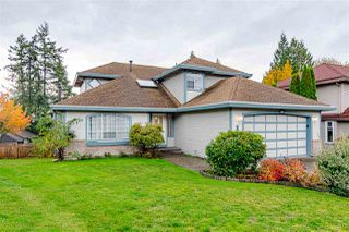 "Main Photo: 16476 78A Avenue in Surrey: Fleetwood Tynehead House for sale in ""Hazel Glen"" : MLS®# R2413477"