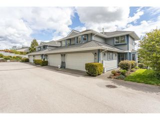 """Photo 1: 142 28 RICHMOND Street in New Westminster: Fraserview NW Townhouse for sale in """"CASTLE RIDGE"""" : MLS®# R2453840"""