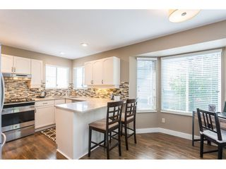 """Photo 3: 142 28 RICHMOND Street in New Westminster: Fraserview NW Townhouse for sale in """"CASTLE RIDGE"""" : MLS®# R2453840"""