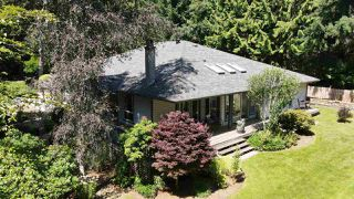 Photo 1: 696 CONRAD Road: Roberts Creek House for sale (Sunshine Coast)  : MLS®# R2478128
