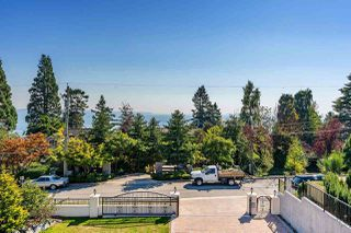 Photo 36: 14020 MARINE Drive: White Rock House for sale (South Surrey White Rock)  : MLS®# R2478365