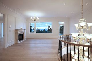 Photo 9: 14020 MARINE Drive: White Rock House for sale (South Surrey White Rock)  : MLS®# R2478365