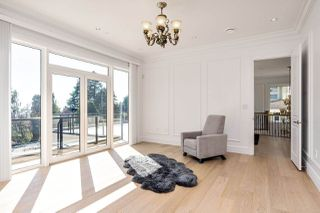 Photo 19: 14020 MARINE Drive: White Rock House for sale (South Surrey White Rock)  : MLS®# R2478365