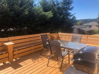 Photo 2: 49 1160 Shellbourne Blvd in : CR Campbell River Central Manufactured Home for sale (Campbell River)  : MLS®# 854336