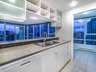 """Photo 14: 2502 928 BEATTY Street in Vancouver: Yaletown Condo for sale in """"THE MAX 1"""" (Vancouver West)  : MLS®# R2502198"""