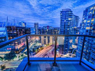 """Photo 4: 2502 928 BEATTY Street in Vancouver: Yaletown Condo for sale in """"THE MAX 1"""" (Vancouver West)  : MLS®# R2502198"""
