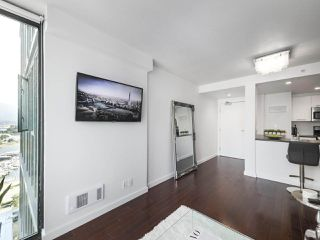 "Photo 5: 2106 1331 W GEORGIA Street in Vancouver: Coal Harbour Condo for sale in ""The Pointe"" (Vancouver West)  : MLS®# R2504782"