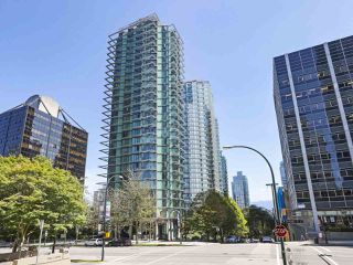 "Photo 1: 2106 1331 W GEORGIA Street in Vancouver: Coal Harbour Condo for sale in ""The Pointe"" (Vancouver West)  : MLS®# R2504782"